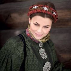 Norwegian Hairclips NOMA Folk Clothing, Folk Costume, Costumes, Bridal Crown, Everyday Dresses, Headgear, Traditional Dresses, Girls Out, Vintage Photos