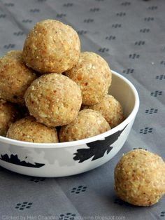 Blend with Spices: Peanut Laddu Recipe - Verusenagapappu Undalu Indian Desserts, Indian Sweets, Indian Food Recipes, Goan Recipes, Indian Snacks, Veg Recipes, Simple Recipes, Laddoo Recipe, Sweet Crepes Recipe