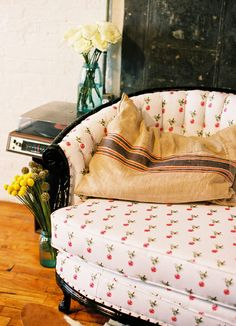 cherry covered armchair- and the potatoe sack pillow-and old gramophone as side table - ALL SO COOL