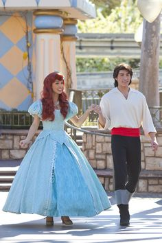 Disneyland // The Little Mermaid and Eric // Couples week at Disney Disney Couples, Disney Love, Disney Parks, Walt Disney World, Disney Characters Costumes, Ariel Costumes, Mermaid Costumes, Disney Princess Ariel, Princess Pics