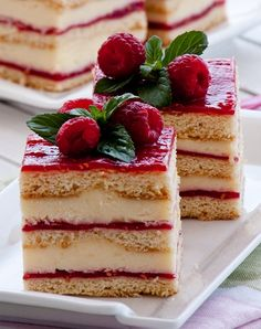 VANILLA RASPBERRY LAYER CAKE [soulkitchenrecipes]