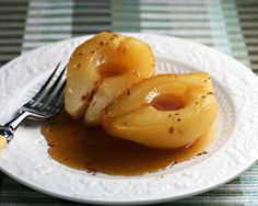 Slow cooker caramel poached pears