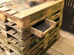 Pallet seed tray counter