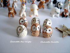 """Petite Amulette """" Ma Chouette Blanche"""" - sculpture miniature réalisée à la main en argile polymère- Porte-bonheur"""