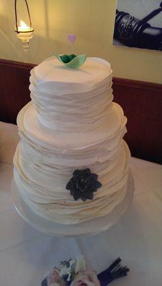 Wedding cake peas in a pod