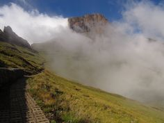 The Amphitheatre overnight hike report with a group of people camping overnight on top of the Amphitheatre in the Northern Drakensberg. Hiking, Camping, Mountains, Nature, Travel, Walks, Campsite, Naturaleza, Viajes