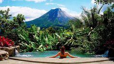 Las maravillas de uno de los volcanes más bellos del mundo  Recorrido por el volcán Arenal, en Costa Rica, donde puedes practicar deportes de aventura o probar sus aguas termales  Volcán Arenal, una estampa inigualable de belleza natural