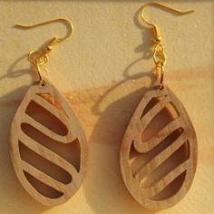 Boucles d'oreille en bois de merisier clip doré