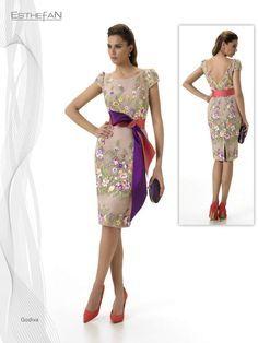 Vestido Corto modelo  Godiva   con tul bordado
