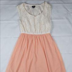 Semi-formal dress White lace at the top and pastel pink at the bottom Rue 21 Dresses Midi