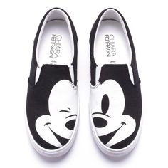 MICKEY MOUSE ($230) ❤ liked on Polyvore featuring shoes, sneakers, flats, sapatos, disney, black slip-on shoes, black shoes, canvas shoes, flat shoes and canvas slip on shoes