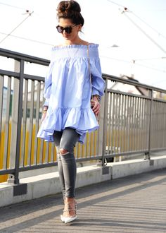 Off the shoulder lang shirt+ripped jeans+lace up sandals+crossbody. Summer 2016