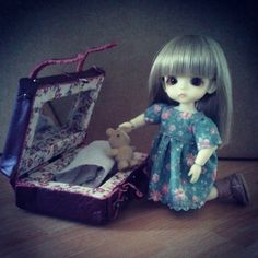 #latiwhitesp #Milly #tiny #bjd #outfit #suitcase #boots #Indianini