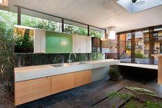 Wilkinson Award winner, 'Tír na nÓg', McMahons Point. Designed by Drew Heath Architects: Photos Brett Boardman.