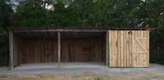 Low Profile Horse Shelter Horse Shed, Horse Barn Plans, Horse Barns, Horses, Backyard Shed Bar Ideas, Horse Barn Designs, Loafing Shed, Horse Shelter, Shed House Plans