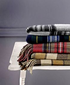 Clashing plaid blankets? Yes.
