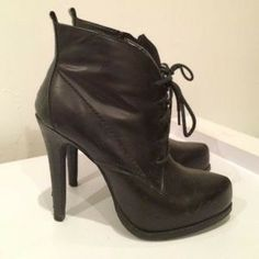 Le Château high heel lace-up booties