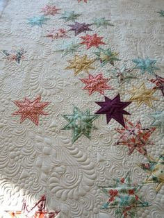 Falling Stars quilt, Beautiful Machine quilting by Margretgunn LOVE how the quilting creates motion@PrettyBobbins