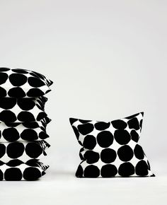 Really love this crisp pattern, have a bag but those cushions are on the bucket list as well   Classics. - 1   Marimekko