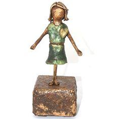 spread the love meisje brons look beeld - Made by Ellen Buchwaldt