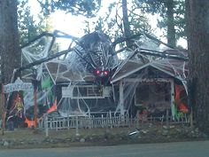 halloween decorated homes