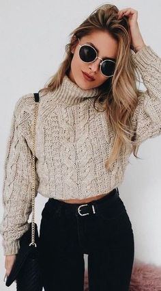 15 cute crop top sweater outfits for this winter 15 cute crop top sweaters . - 15 cute crop top sweater outfits for this winter 15 cute crop top sweater outfits for this winter - Cute Sweater Outfits, Casual Winter Outfits, Winter Fashion Outfits, Look Fashion, Pullover Outfits, Outfit Winter, Cropped Sweater Outfit, Fashion 2018, Sweater Fashion