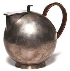 focus-damnit: Bauhaus Tea Pot | treadwaygallery.com
