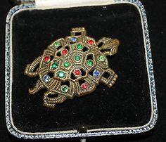 Vintage-Czech-rhinestone-turtle-tortoise-terrapin-brooch-Art-deco-green-blue-red