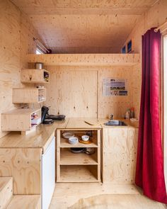 Autarkisch wonen in de Tiny TIM Tiny House France, Home Projects, Future House, Life Is Good, Tiny Tiny, Tree Houses, Tiny Homes, Home Decor, House Ideas