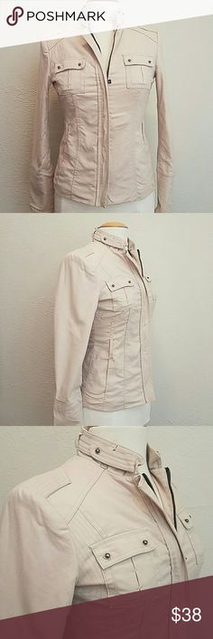 Zara Basics Cream Jacket Beautiful fitted jacket! EUC. Foldable pockets in the front. Zipper on sleeve. 97% Cotton 3% Spandex Outer Shell. 100% Polyester lining. Zara Jackets & Coats