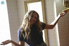 Maddie from Nashville Nashville Tv Show, Favorite Tv Shows, Poses, Figure Poses