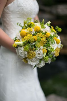 Lots of summer cheer in this bouquet! Photography by shanewelch.com, Floral Design by scarletpetal.com