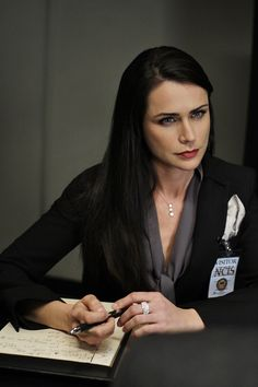 """NCIS - Season 7 Episode 14 - """"Masquerade"""" Was so glad Gibbs did not hook up with her. She sure keep trying."""