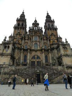 Fotografía: Sandra Rastelli- Santiago de Compostela Louvre, Building, Travel, Lisbon, Boating, Santiago De Compostela, Walks, Vacations, Viajes