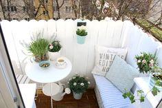 My little white Home: Renowacja podestów balkonowych