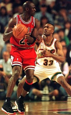 Michael Jordan Chicago Bulls Seattle Supersonics Hersey Hawkins