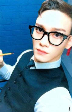 Chen - 161115 'Hey Mama!' album photocard -Credit: 룽.