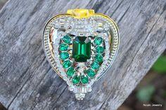 Emerald heart ring box