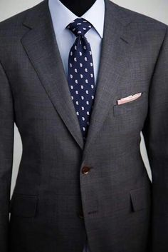 Well cut grey suit!!! …
