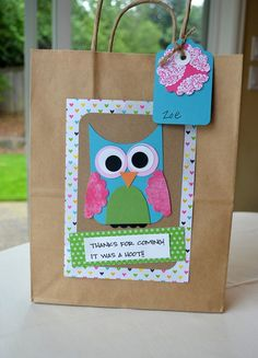 owl party gift bags. Looks like an easy DIY with all sorts of party themes!