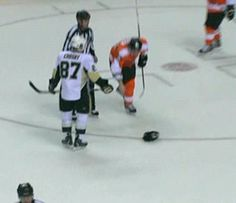 futuremrslizcrosby8714:  ilovethepittsburghpenguins:  letsgopens:  here let me help you with that  That's right son. Over 5,700 notes.  I wi...
