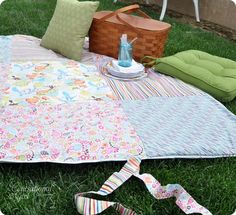 Homemade water resistant picnic blanket/pad