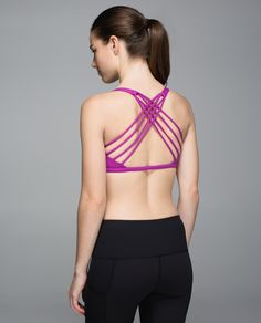 We designed this light-support, low-coverage bra to keep us covered in all our yoga classes. The open neckline and strappy back give us plenty of room to flow, twist and sweat.