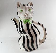Vintage Gloria Vanderbilt Tastesetter Sigma Cat black and white striped Teapot in Pottery & Glass, Pottery & China, China & Dinnerware | eBay