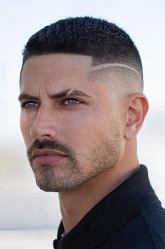 Fade Haircut With Beard, Mid Fade Haircut, Beard Haircut, Popular Mens Hairstyles, Boy Hairstyles, Stylish Short Haircuts, Haircuts For Men, Hair And Beard Styles, Curly Hair Styles