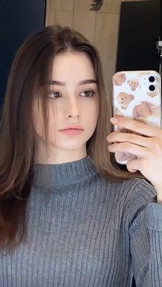 Western Girl, Glowing Face, Russian Beauty, Cute Girl Photo, Beautiful Girl Image, Girls Selfies, Cute Beauty, Girls Makeup, Aesthetic Girl