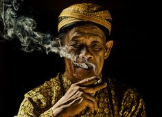 smoker#22  -  Yaman Ibrahim  http://500px.com/photo/5681943