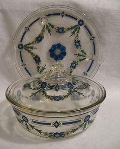 Fab find Very Early Vtg Pyrex Glass Casserole Dish Cake Plate Garland Design Blue Yellow