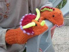 Umme Yusuf: DinoMitts v 2.0 - Knitting pattern on Ravelry to purchase.