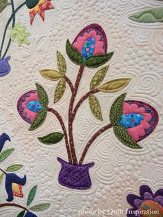 Blossoms+and+Butterflies+by+Kristen+White+Webb%2C+2015+Springville+show%2C+closeup+photo3+by+Quilt+Inspiration.JPG (1200×1600)